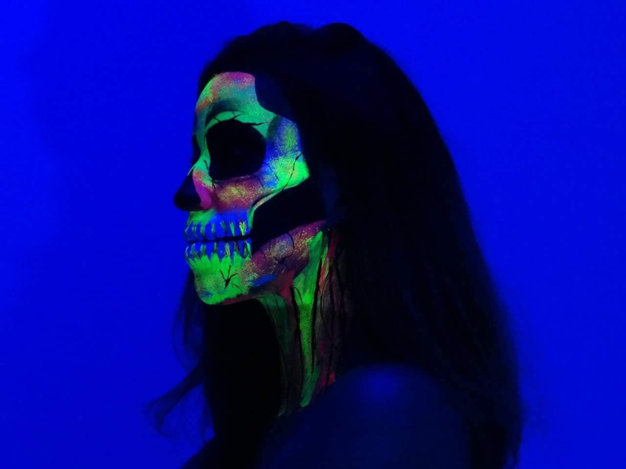 Carol Ribas Makeup