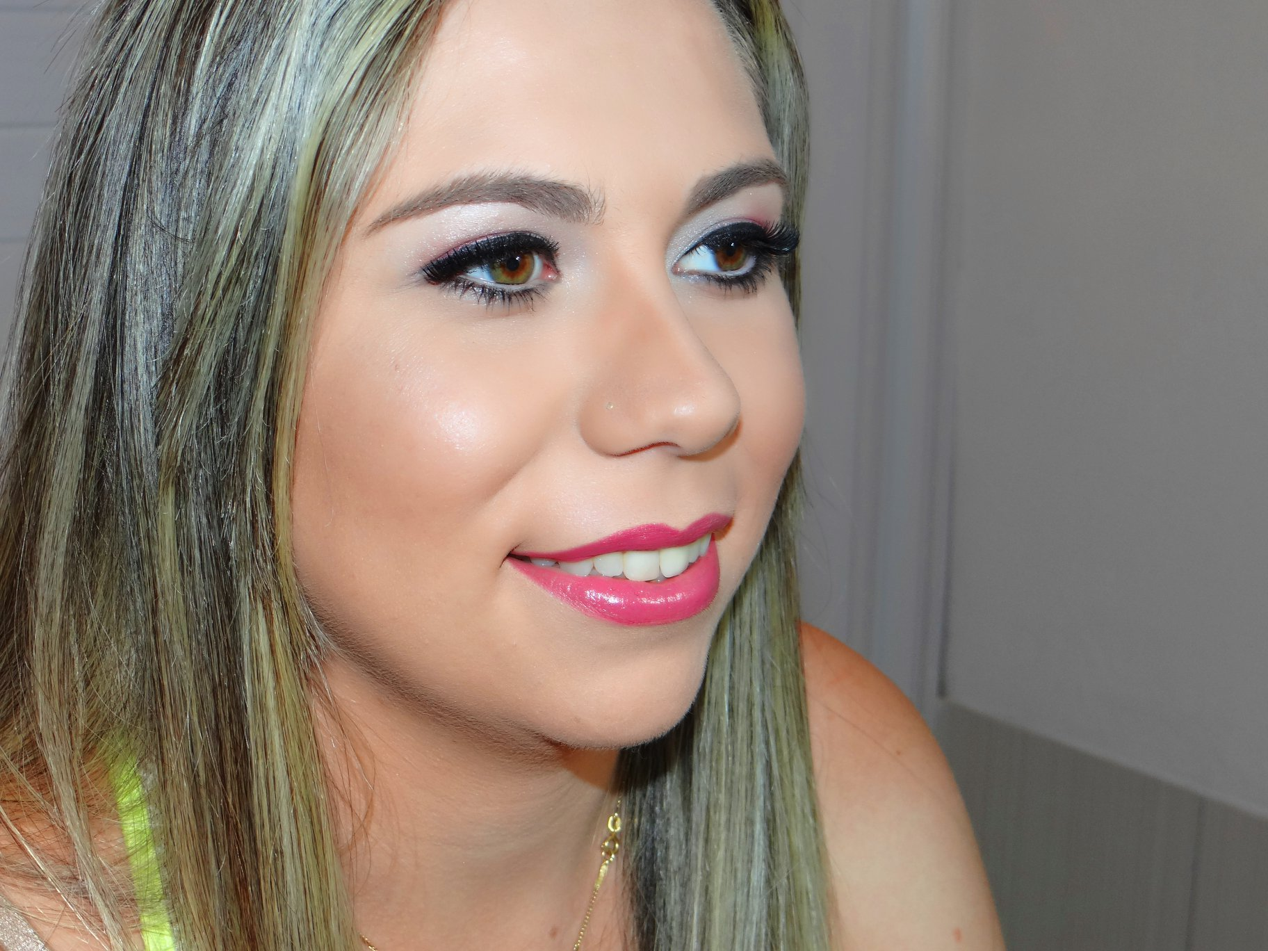 Carol Ribas Make Up Artist