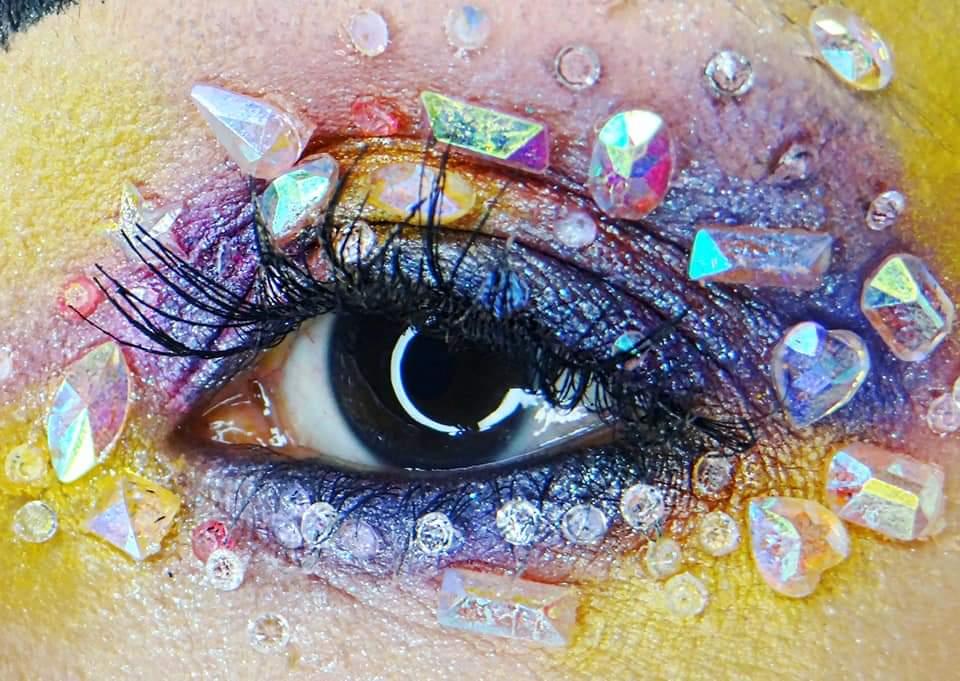 Carol Ribas Make Up Artist